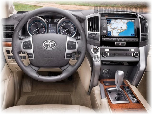 Toyota_Land_Cruiser_200_6