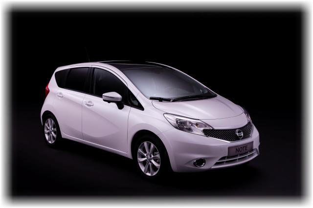 Nissan_note_2014_11