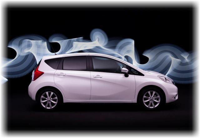 Nissan_note_2014_13